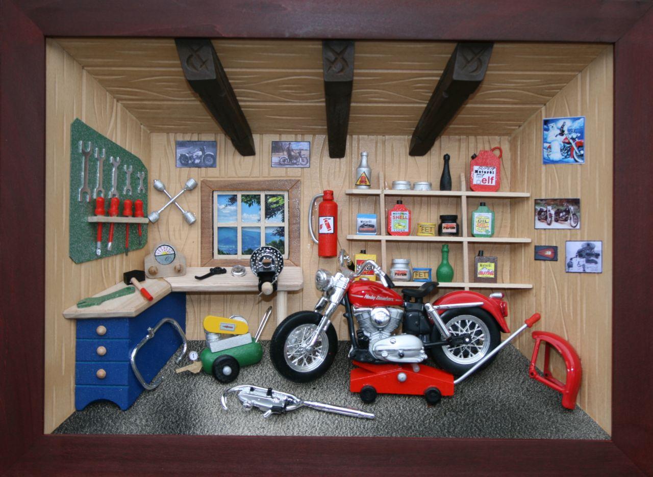 Cuckoo clock shop dorsch motorcycle workshop 3d wooden pictures - Motorcycle cuckoo clock ...